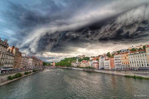Lyon orage tempête apocalypse
