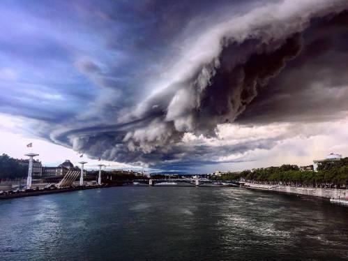Lyon tempête orage apocalypse